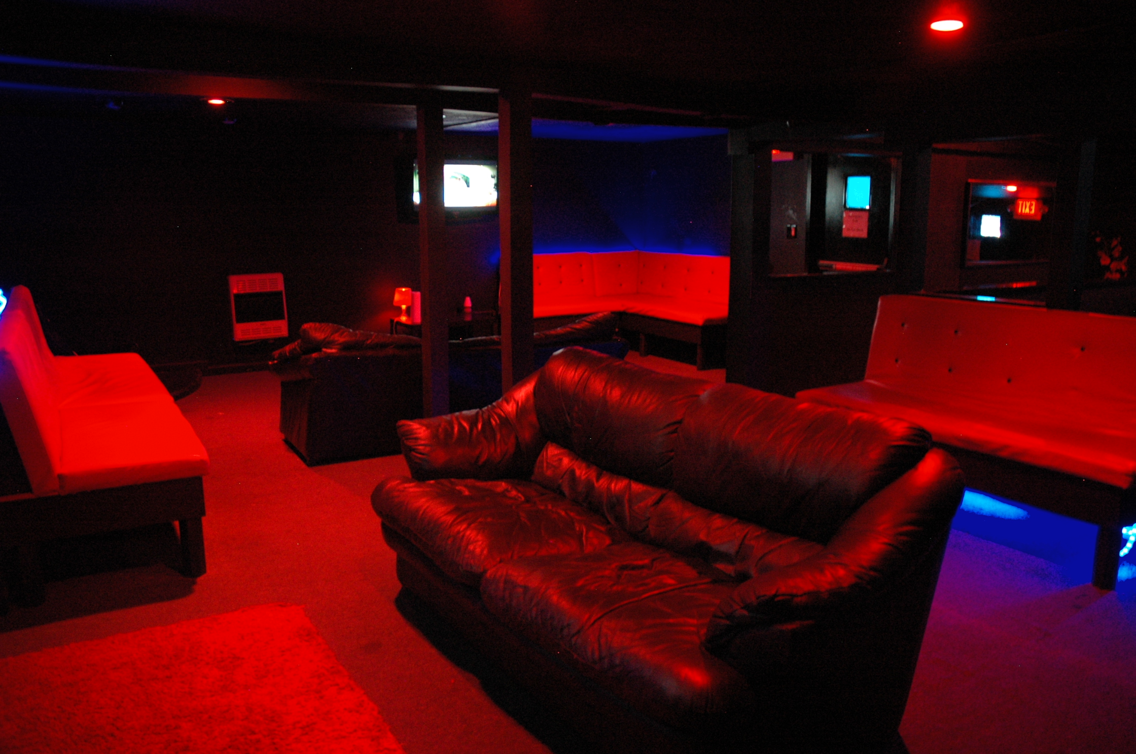 Lebanon PA adult lounge